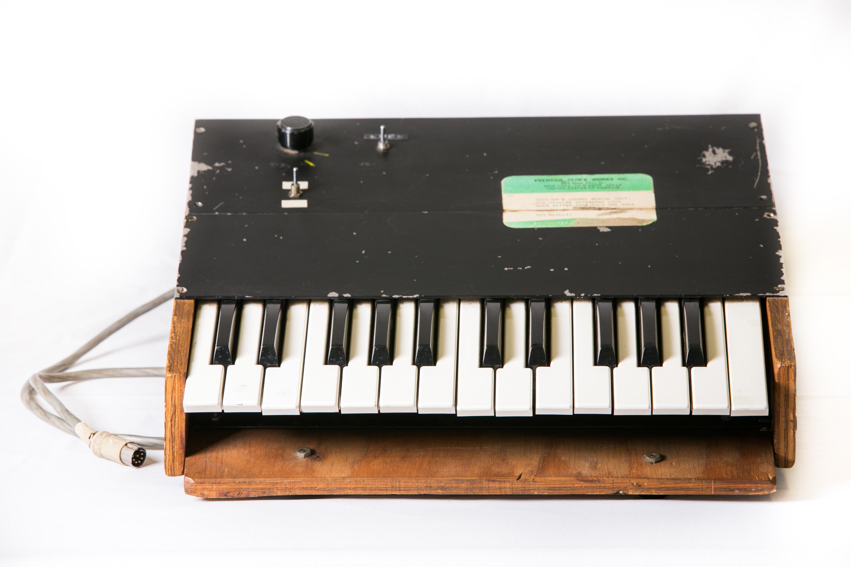 H910 Rental keyboard